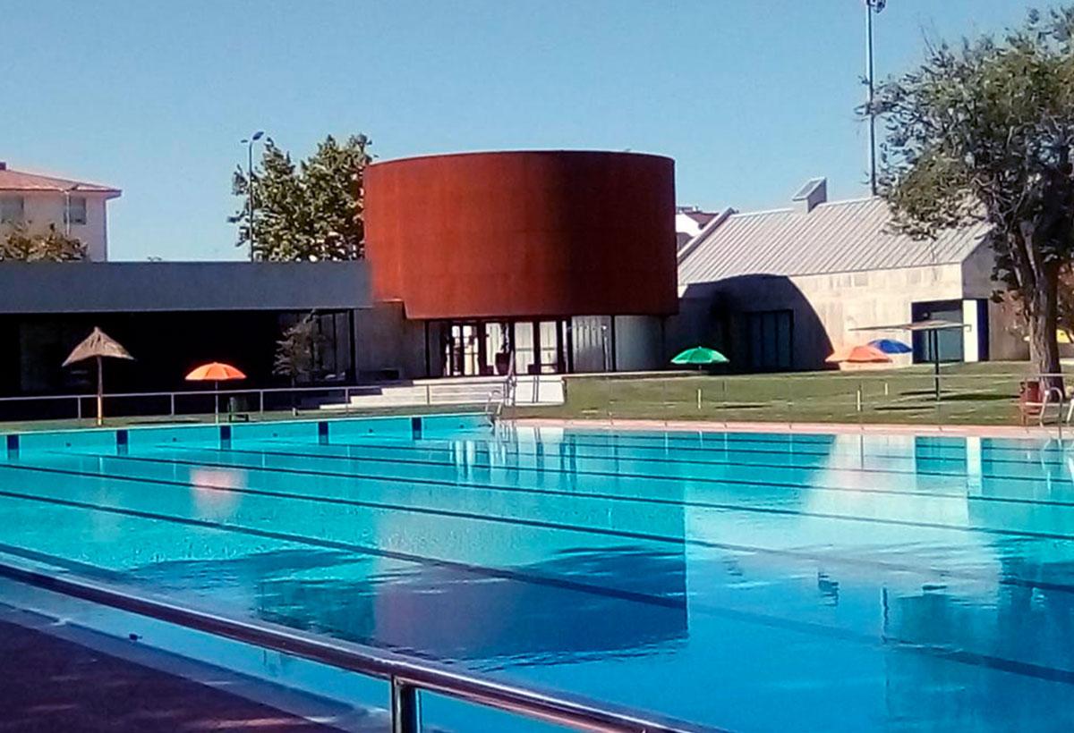 piscina verano donbenito